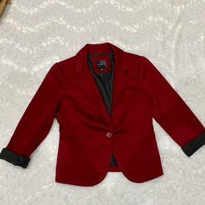 Limited 3/4 sleeve burgundy blazer size small